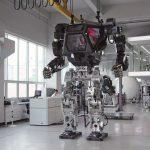 巨大ロボット「METHOD v2」